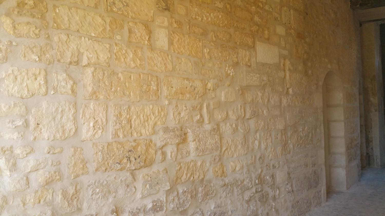 mur en pierre rénové Compiègne